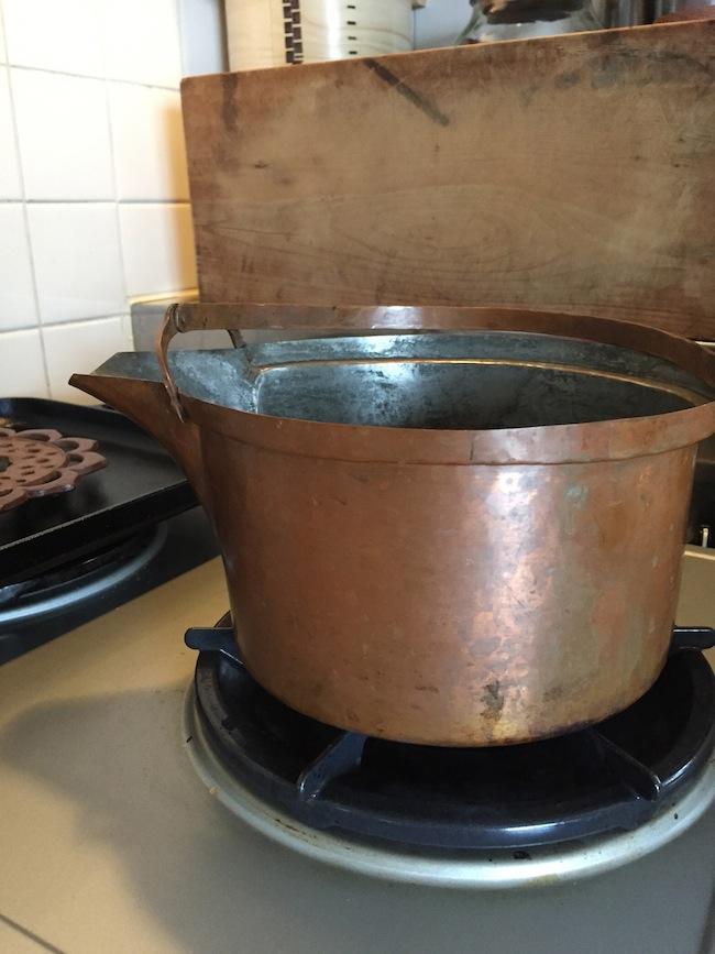 口付きの銅鍋