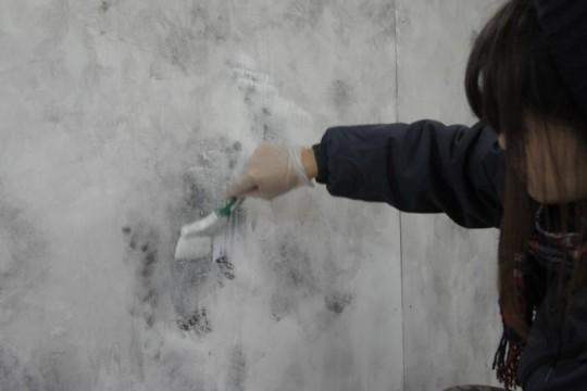 小屋女子、トレーラーハウスに挑む ⑤内壁のエイジング塗装(後編)
