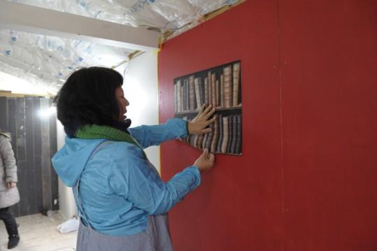 小屋女子、トレーラーハウスに挑む ⑥壁紙の工夫