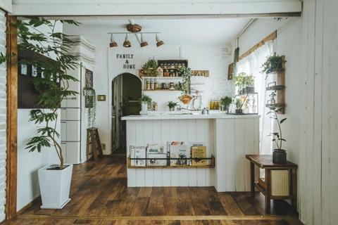 DIYでリノベーションされたKumeMariさんちのキッチン