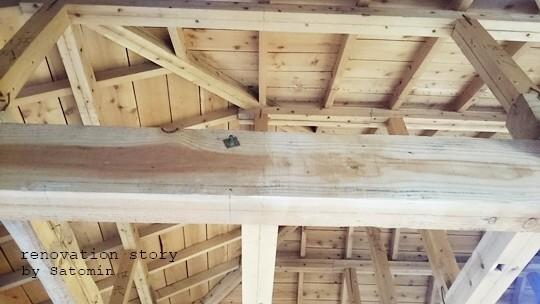 家族で楽しくセルフリノベーション♪②電気配線を梁の上に隠し、サンダーを使って柱をやすりがけ!! Satomin