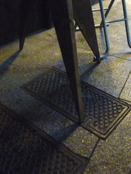 「プロDIY」探訪⑪喫煙スペースの灰皿置き その2