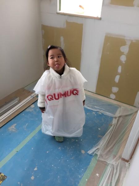 自分のおウチは自分でつくってみたい!家族みんなでワクワクペンキ塗りDIY☆新築工事現場にちょっとお邪魔しまして、壁を塗り塗り♪うまくできましたー!感動☆