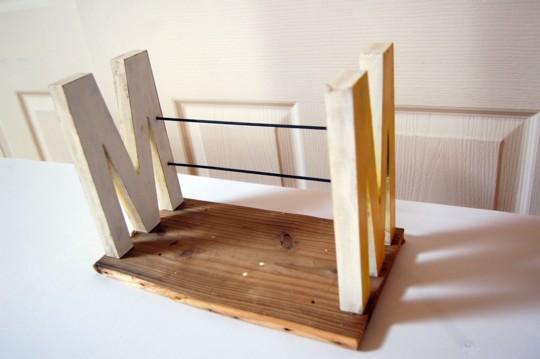アルファベットのオブジェを使って、ブックエンドを作ってみました!