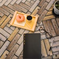 木の板で作るへリンボーンテーブルを「YOJO-木目」で作ってみました。